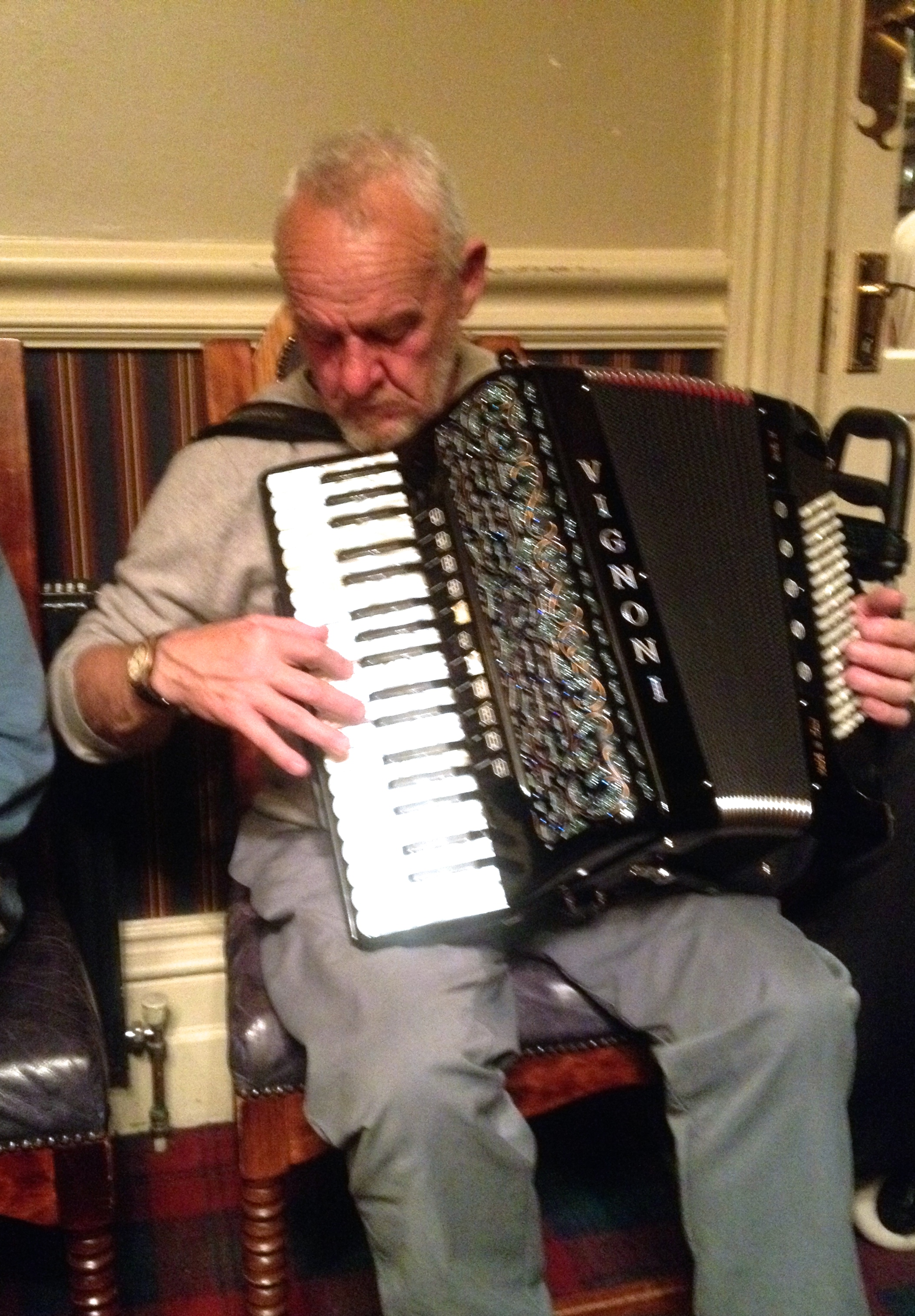 Look at that accordion!