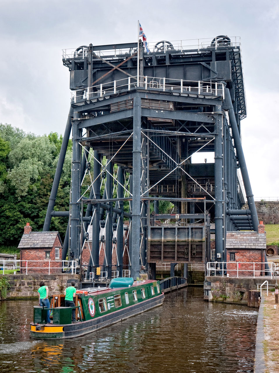 The hotel boat Wandering Duck enters the lift after a trip up the River Weaver