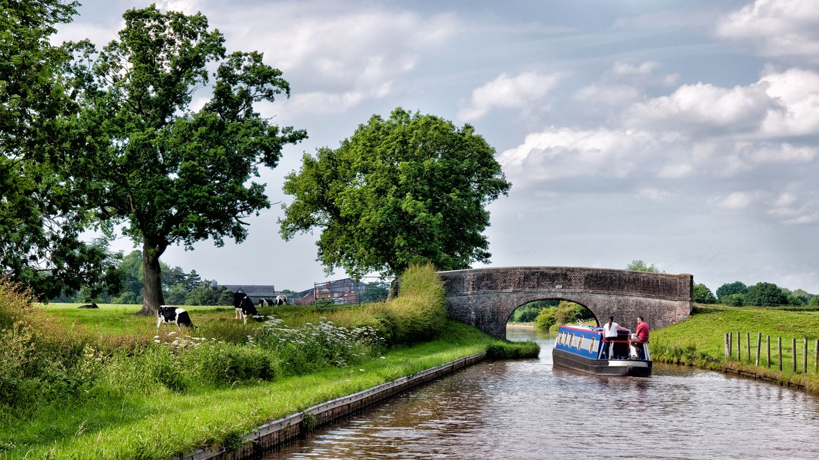 Idyllic rural Cheshire canal scene along the Middlewich Arm of the Shropshire Union canal