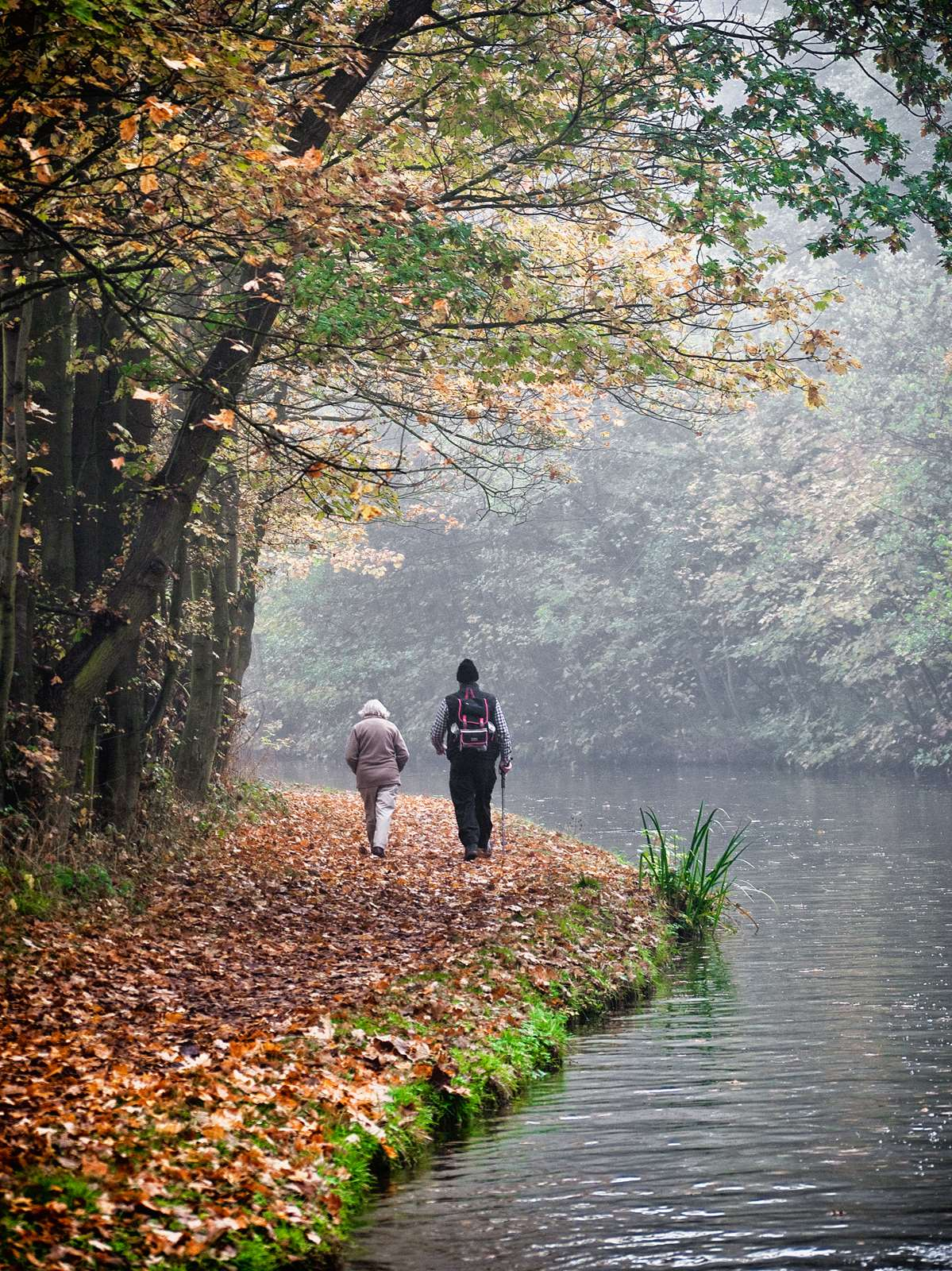 Leisurely stroll along the Coventry Canal