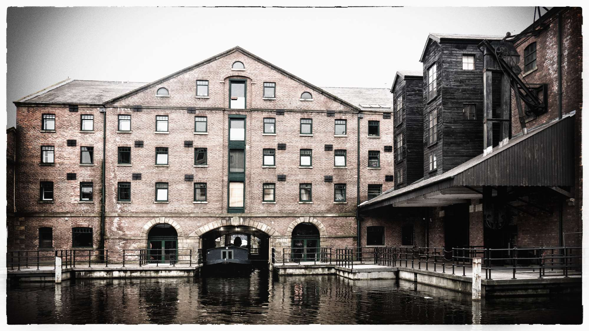 Straddle Warehouse and Grain Warehouse Victoria Quays Sheffield NB Areandare