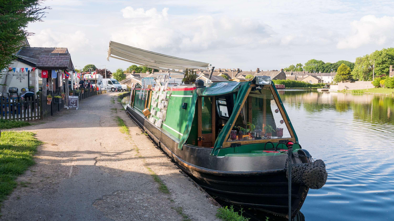 Canal Turn pub Carnforth by Barry Teutenberg