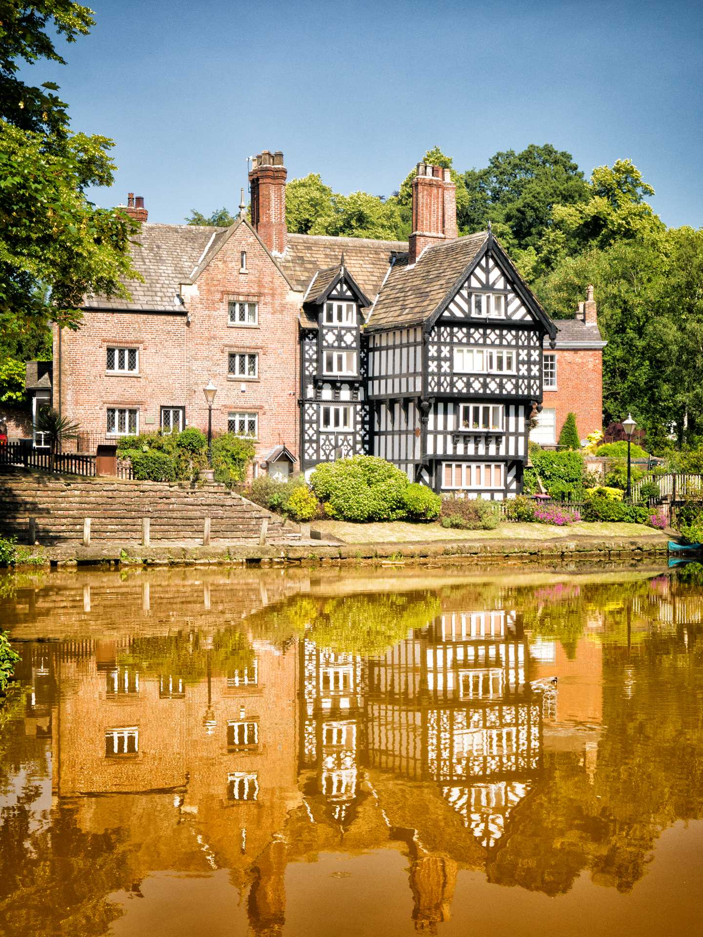 Packet House Worsley by Barry Teutenberg